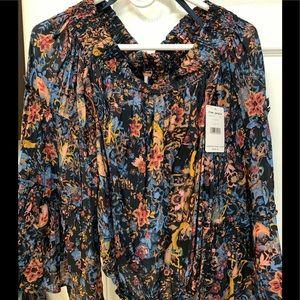 Free people flowy sleeved floral top